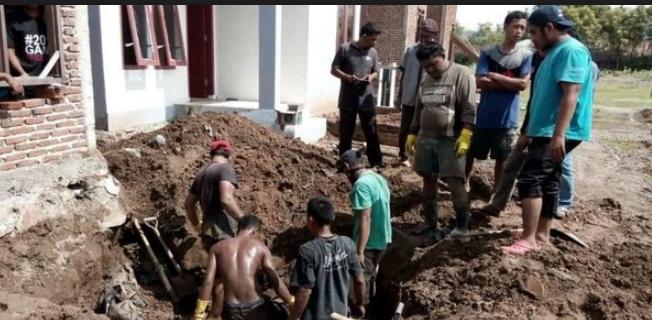 Puluhan Jenazah Korban Tsunami Aceh Ditemukan Oleh Tukang Bangunan