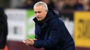 Jose Mourinho Bikin Kondisi Manchester United Tidak Sehat