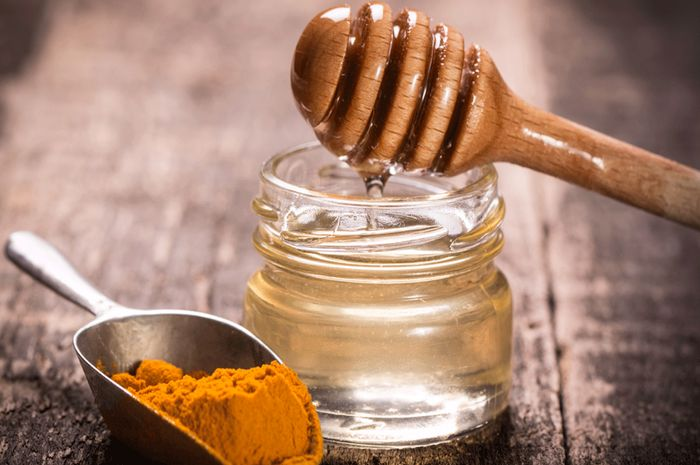 Campuran madu dan kunyit ini lah manfaat yang harus di ketahui